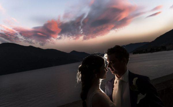 Matrimonio a Morbegno. Ricevimento presso Palazzo Gallio di Gravedona. Foto sul Lago di Como. Wedding on Como Lake.